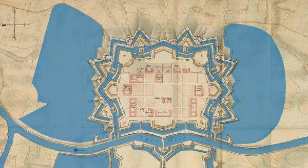 Historický plán pevnosti s napuštěnými příkopy a kotlinami