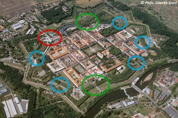 smrz-pevnost-kurtiny