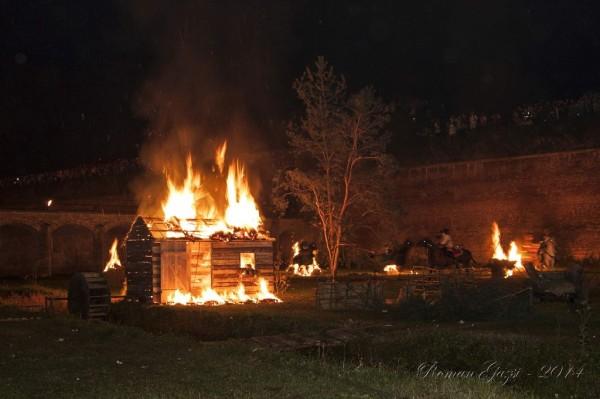 Josefínské slavnosti 2014 - Večerní bitva - hořící mlýn
