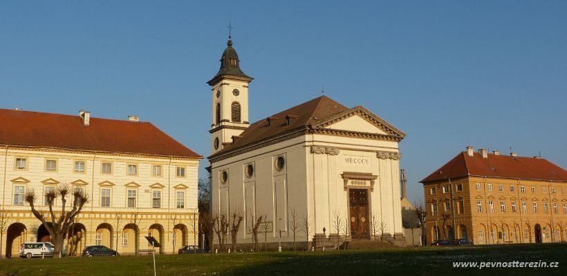 Terezín - kostel na náměstí
