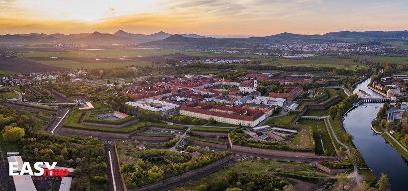 Pevnost Terezín z dronu (Easymap.cz)